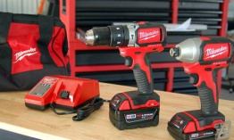 Milwaukee M18 compacto Brushless Combo Kit 2799-22CX